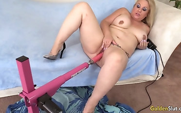 Horny Mature Woman Summer Satisfies Their way Cravings with a Fucking Gadget